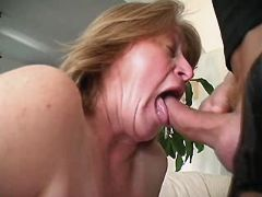 Mature gets licking pussy and sucks busty fats